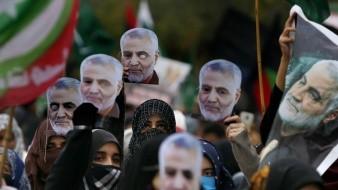 Miles de personas acudieron al funeral de del general de división Qassem Soleimani.