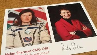 Los extraterrestres existen y ya pueden estar en la tierra, pero simplemente no podemos verlos, dijo la primera británica en el espacio, la doctora Helen Sharman.