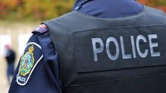 Arrestan a una policía de El Centro
