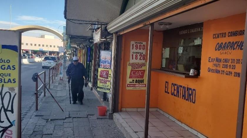 A 19 pesos se mantenía ayer el tipo de cambio en Nogales, Sonora.(Rubén Ruiz)