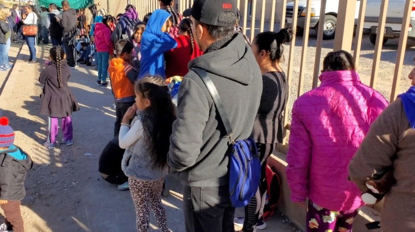 Gran presencia de migrantes se puede apreciar en Nogales, tanto de México como extranjeros, muchos de ellos son niños.(Rubén Ruiz)