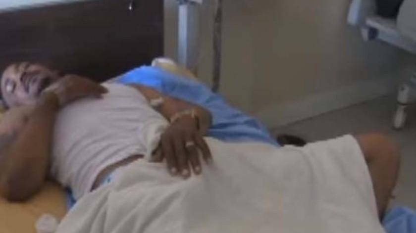 El paciente fue dado de alta pero seguirá visitando al médico.(Captura de video)