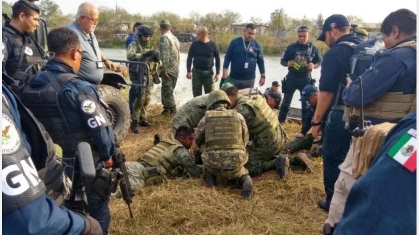 Mueren 4 militares ahogados tras caer vehículos a canal en Reynosa(GH)
