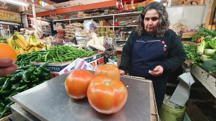 El precio del tomate bola alcanzó los 45 pesos el kilo en Hermosillo.(Gamaliel González)