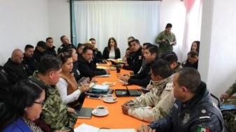 El alcalde Armando Ayala estuvo acompañado por el delegado y coordinador regional Óscar Valdez Beltrán; Joaquín Bolio Pérez, subsecretario del Gobierno del Estado; y Luis Felipe Chan Baltazar, titular de la Dirección de Seguridad Pública Municipal (DSPM).