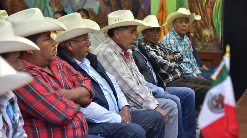 Autoridades de los ocho pueblos Yaquis estuvieron ayer en el Ayuntamiento de Cajeme(Mayra Echeverría)