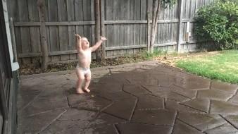 Australia celebra la llegada de la lluvia