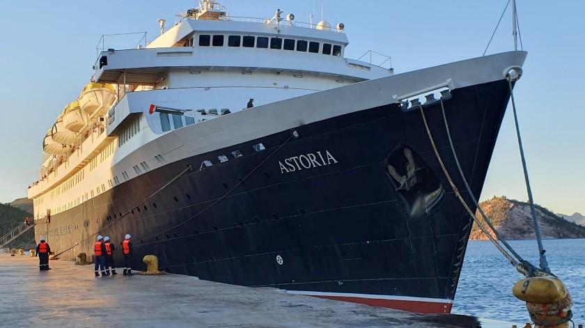 El crucero Astoria arribó ayer a temprana hora al puerto de Guaymas.(Yesicka Ojeda)