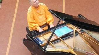 Destaca pianista la necesidad de tratar mejor a la naturaleza