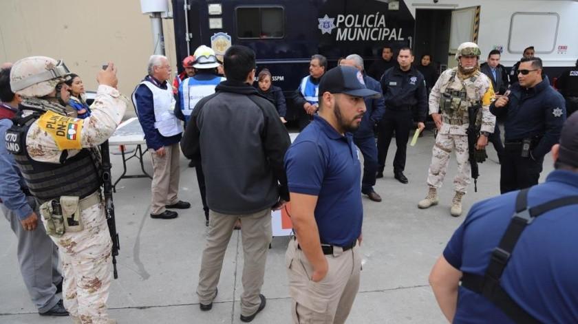 El simulacro se realizó en el estacionamiento de Calimax Sánchez Taboada.(Sergio Ortiz)