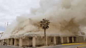 Arde edificio abandonado en Calexico