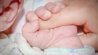 Abandonan a bebé en Villas del Sur; estaba solo y lloraba