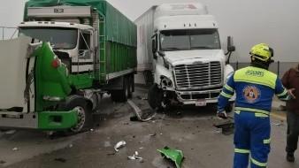 Carambola en autopista de Nuevo León deja 5 lesionados