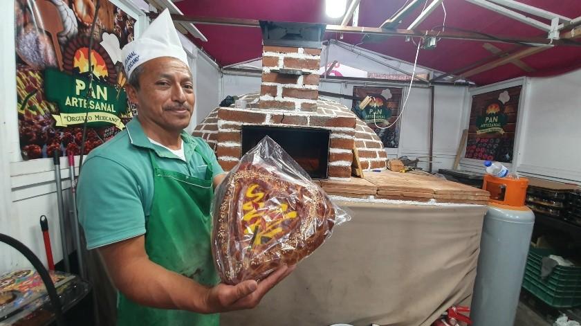Él mismo construyó un horno de ladrillo de Querobabi.(Gamaliel González)