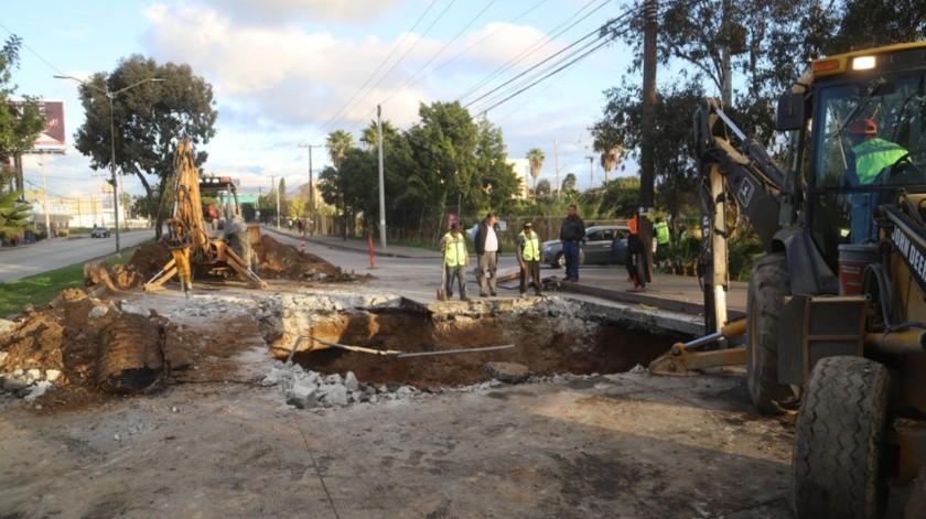 Más de dos semanas se llevará la reparación del bulevar frente al Parque de la Amistad en Otay.