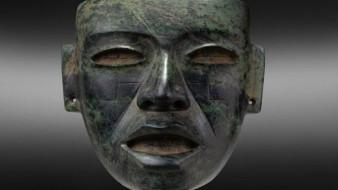 Una de las piezas era una máscara de