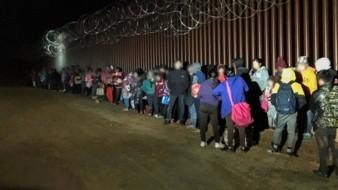 Registran presencia de migrantes en la frontera de Arizona con México