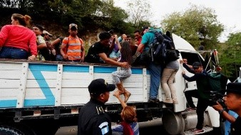 Casi 2 mil hondureños en caravana fueron deportados en 3 días: Dice Tegucigalpa