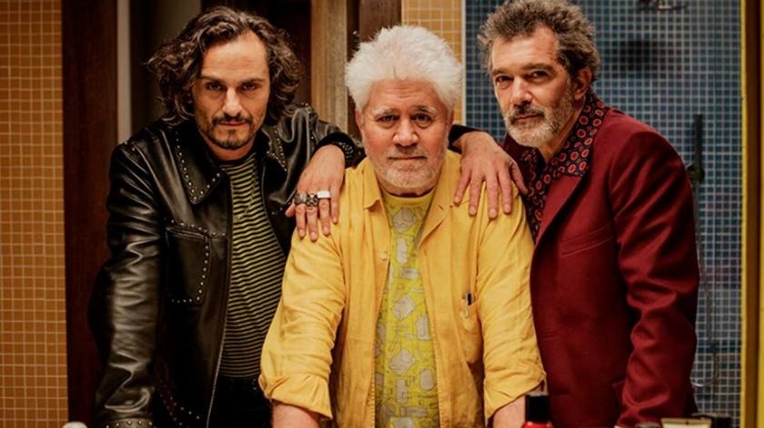 Asier Etxeandía, Pedro Almodovar y Antonio Banderas.(Tomada de la red)