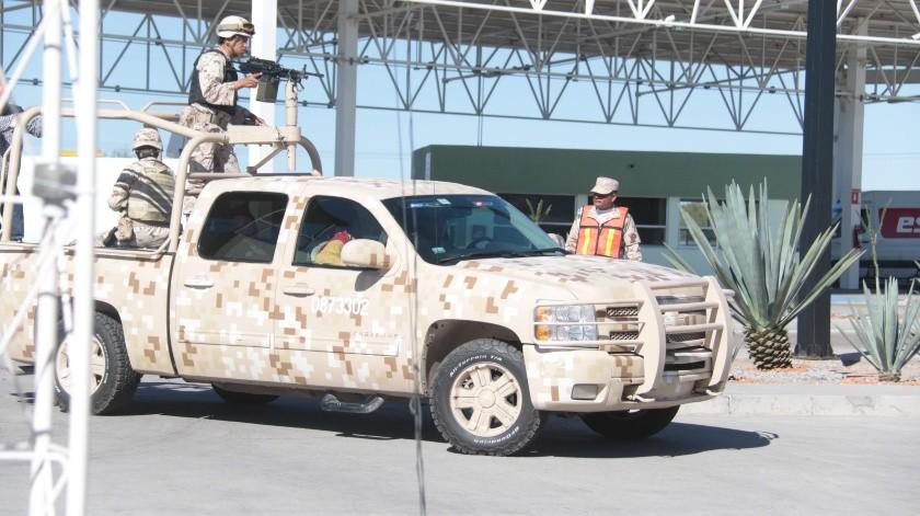 Militares comisionados en el retén que se localiza en Querobabi, donde se han decomisado fentanilo.(BANCO DIGITAL)