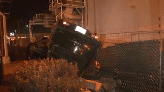 Cuatro lesionados en aparatosa volcadura