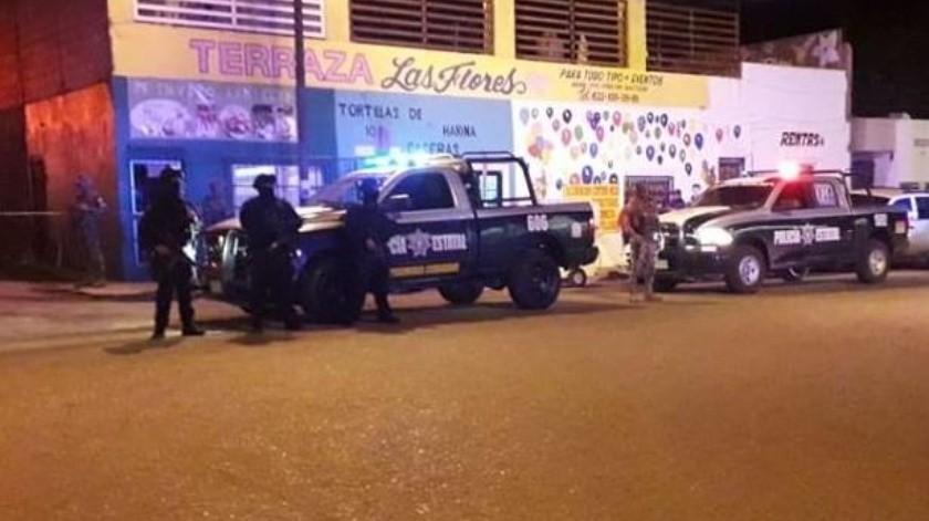 Un hombre fue asesinado en el interior de un taxi durante la noche del domingo en Guaymas.(Especial)