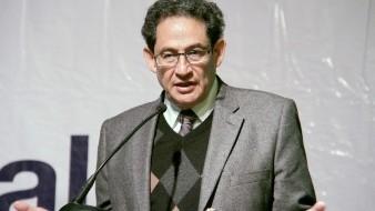 Sergio Aguayo paga fianza para evitar embargo por crítica a Moreira