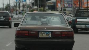 En el Estado circulan miles de vehículos irregulares.