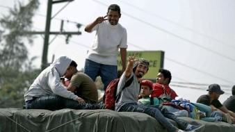Hondureños reintentan camino hacia EU pese a deportación de México