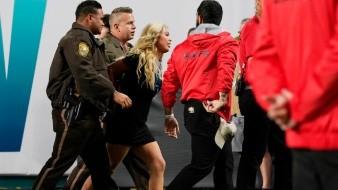 'Espontánea' fue detenida por intentar ingresar a la cancha del Super Bowl