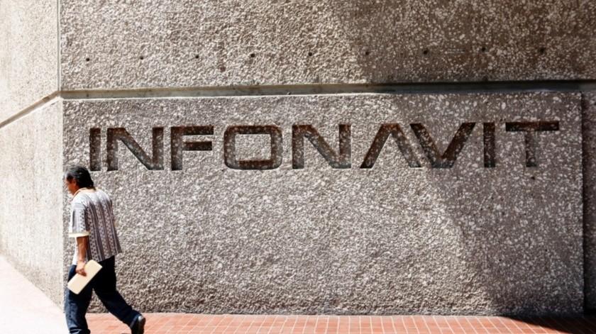El director del Infonavit firmó un convenio de colaboración con el gobierno del estado de Quintana Roo para agilizar los trámites de escrituración y pago de derechos relacionados con la vivienda..(Agencia Reforma)