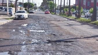 La calle Zertuche en Valle Dorado es un claro ejemplo de las malas condiciones en que se encuentran las vialidades en el Puerto.