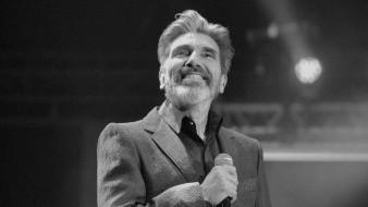 El cantante no aprueba que LuisMi sea un padre distante.