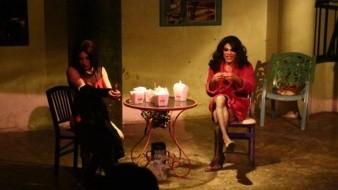 Bajo la dirección de Rubén Valencia, esta obra teatral presenta la historia de Sara, un personaje inconfundible.