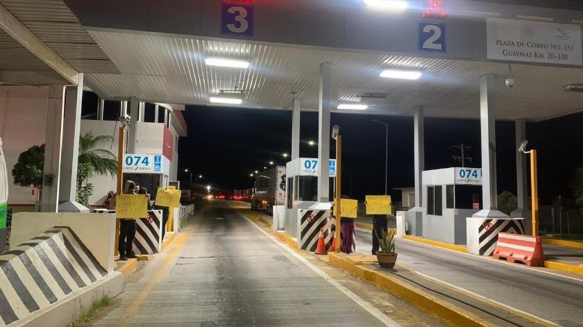 Los integrantes del Movimiento por el Libre Tránsito en Sonora tomaron nuevamente la caseta de cobro en Guaymas.(Especial)