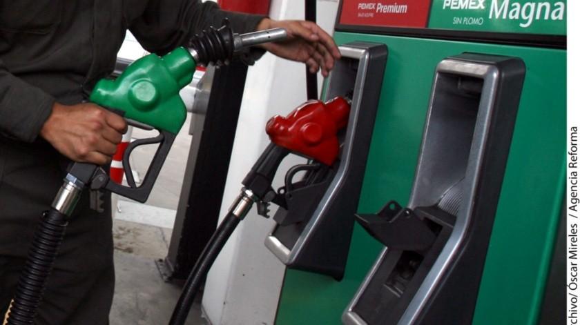 Gasolineros trabajarían para pagar a gobierno con nuevo impuesto: CCE(Archivo)