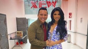 El cantante y su esposa son parte del programa