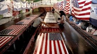 Quema de banderas de EU, buen negocio para fábrica iraní