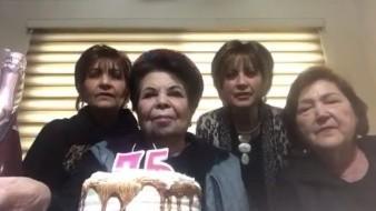 Querían tomarse una selfie pero ¡era video!; señoras cajemenses conquistan las redes