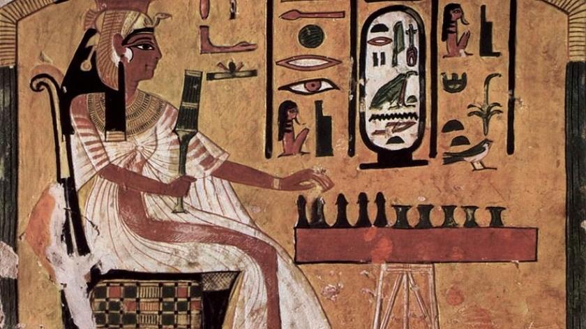 La reina egipcia Nefertari jugando al senet. Pintura en su tumba (siglo XIII a. C.).(The Yorck Project (2002) 10.000 Meisterwerke der Malerei (DVD-ROM), distributed by DIRECTMEDIA Publishing GmbH.)