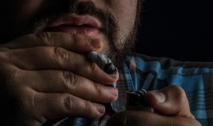 El doctor Jesús Sánchez Colín advierte los riesgos que enfrentan los fumadores, ante la amenaza del coronavirus.