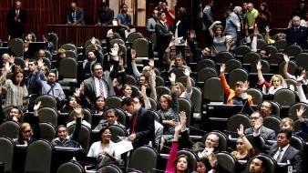 Preparan controversia contra el INE por ganar más que AMLO