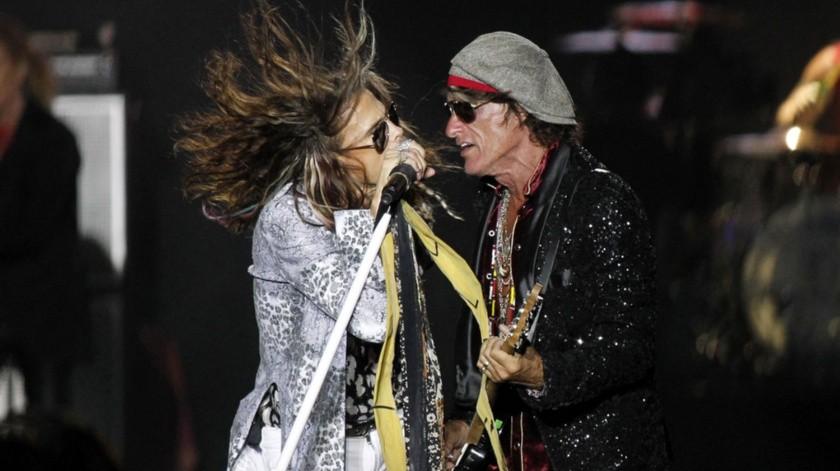 Los miembros de la banda estadounidense Aerosmith, Steven Tyler y Joe Perry, durante una actuación.(EFE)