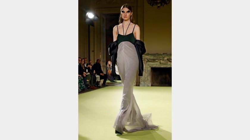 Modelos presentan la nueva colección de Vera Wang en la Semana de la Moda de Nueva York(AP)
