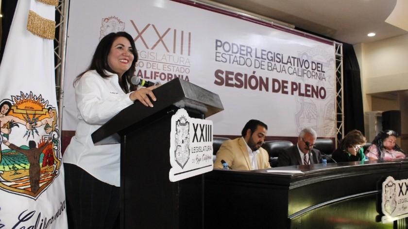 La diputada Miriam Elizabeth Cano Núñez dio lectura a los resolutivos del Dictámen 29.(Jayme García)