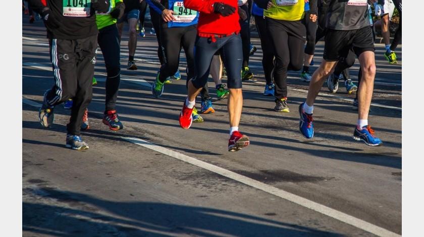 Chino corre maratón en casa para protegerse del coronavirus.(Pixabay)
