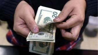 Este fin de semana se genera una gran necesidad de dólares en la ciudad.