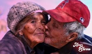 Con más de 60 años de matrimonio, Juan y Juanita siguen jurándose amor eterno todos los días.
