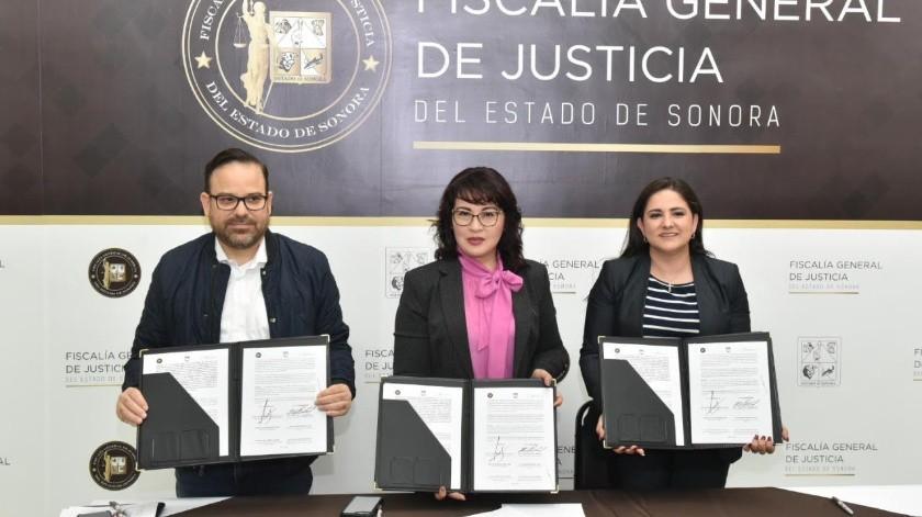 La alcaldesa de Hermosillo, Célida López, Claudia IndiraContreras Córdova, fiscal General de Justicia de Sonora y David AnayaCooley, secretario de Seguridad Pública de Sonora.(El Imparcial)