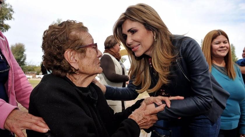 La gobernadora Claudia Pavlovich realizó la gira número 372 por la entidad, al visitar municipios de la Sierra.(Especial)